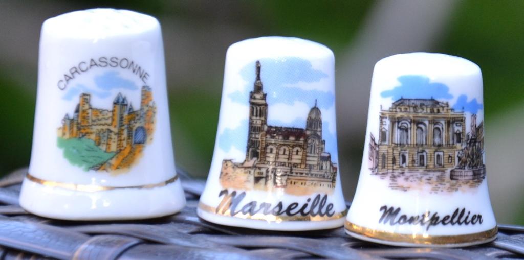 Dés à coudre souvenirs Carcassonne, Marseille, Montpellier