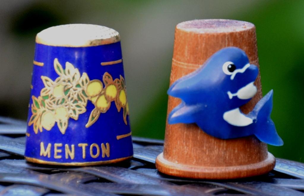 Dé à coudre souvenir Menton, Antibes