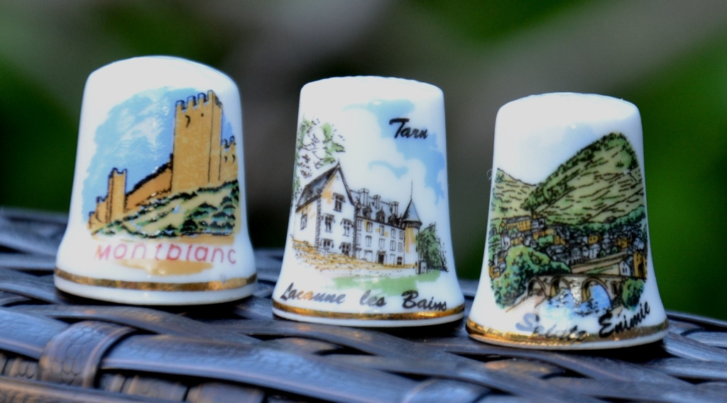 Dé à coudre souvenir Montblanc, Lacaune, Sainte Enimie