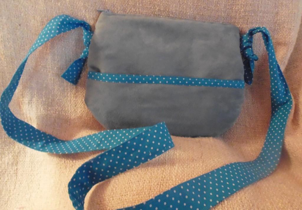 Pochette Nomade suédine bleue