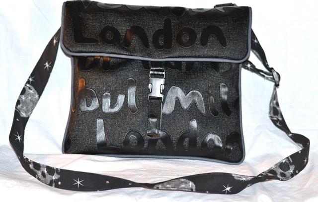 Sacoche London en simili cuir, avant, rabat fermé
