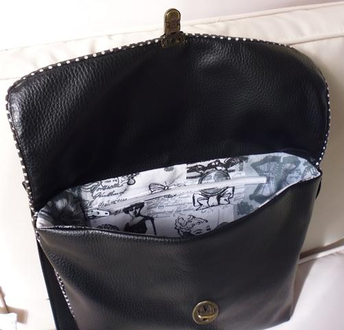 Intérieur du sac, vue poche intérieure zippée