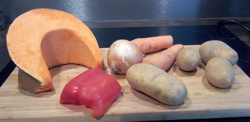 Ingrédients soupe de courge au poivron rouge
