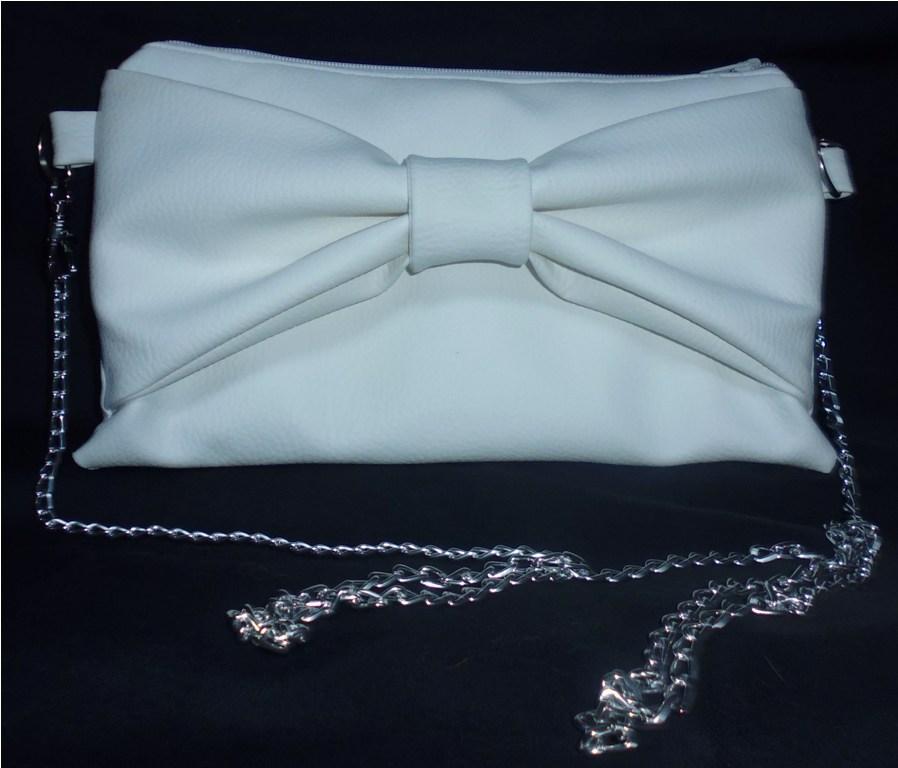 Prototype - Petite pochette à noeud pour soirée d'été en simili cuir blanc