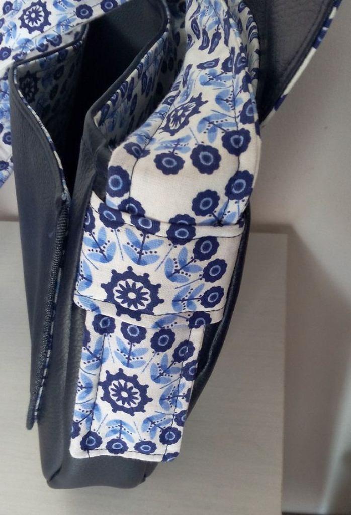 Un sac Bérénice aux motifs psychédéliques - Vue patte côté bandoulière