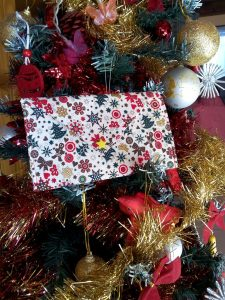 Pochettes et enveloppes de Noël par milliers