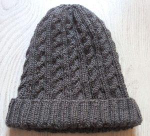 Un bonnet à torsades sans coutures et surtout bien douillet