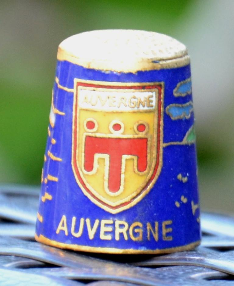 Dé à coudre souvenir Auvergne