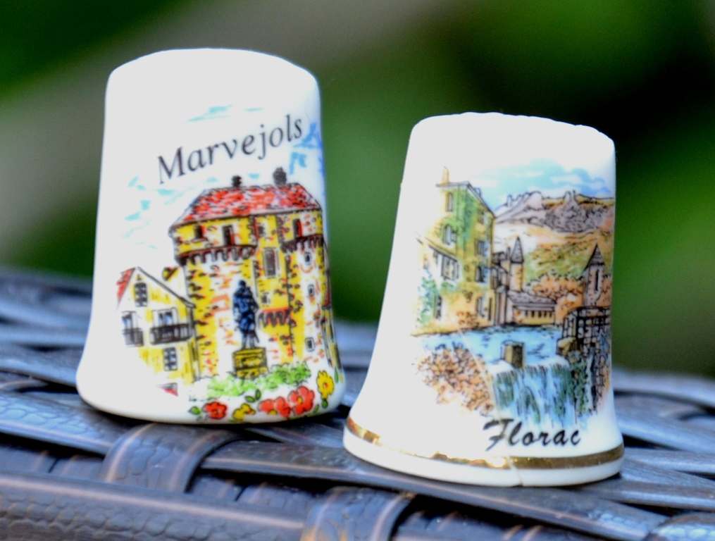 Dé à coudre souvenir Marvejols, Florac