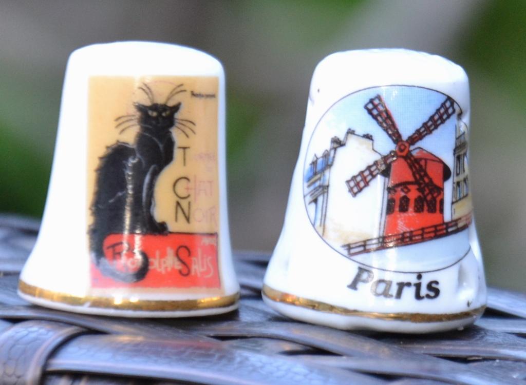 Dé à coudre souvenir Paris