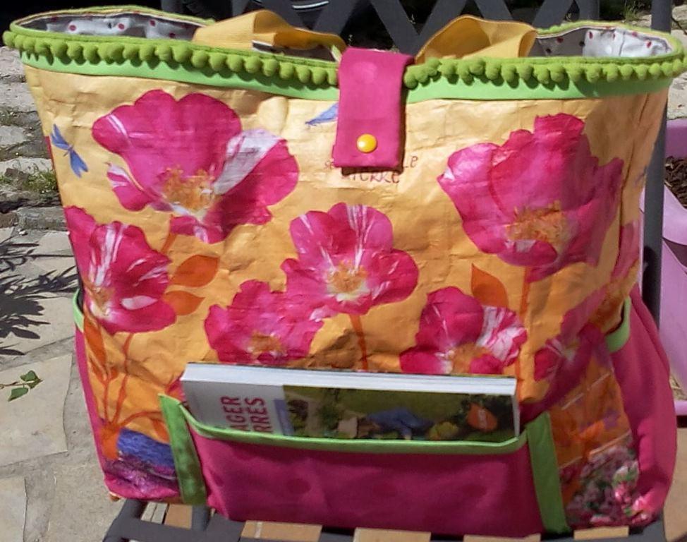 Recyclage d'un cabas de supermarché en sac de jardinage - Face avant