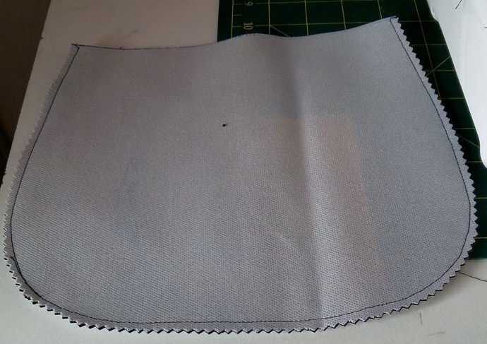 La pochette de Ninou - cranter les marges de couture
