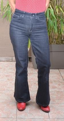 Mon jean Birkin Flares devant